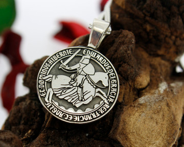 Design King Edward III coin design available for re-engraving on round pendants. RAISED ENGRAVING.