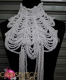 The sea princess White pearl Diva necklace Costume Jewelry