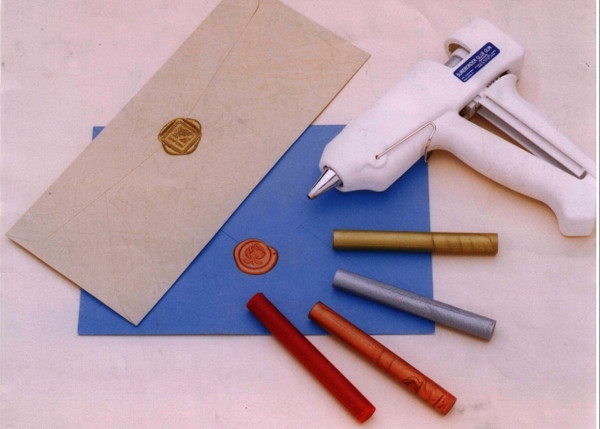 Dual Temperature Glue Gun for Sealing Wax