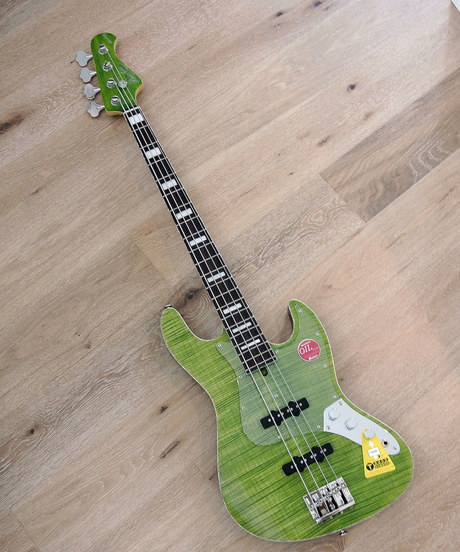 Bacchus Craft Japan Series - WL4-FM CUSTOM - 4 string bass with flame maple top - Green