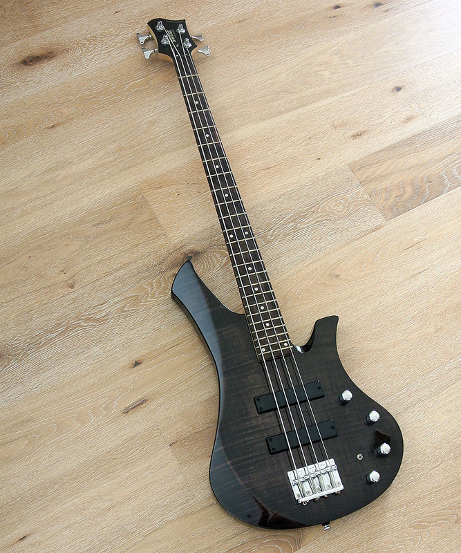 Swing Guitar Technology MOJO Bass MK2 - Active bass - Flame Maple Transparent Black
