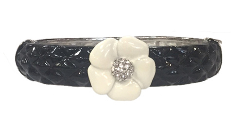 Small Quilted Enamel Camelia Bracelet | Black with White