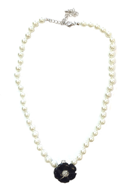 Flower and Pearl Camelia Necklace
