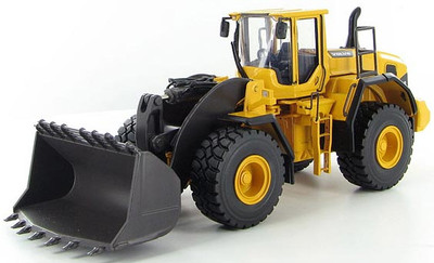 Volvo L250G Front Loader with Spade Nose Bucket
