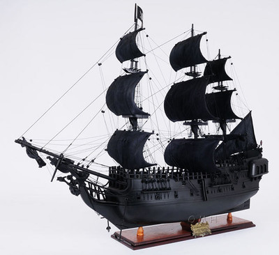 Black Pearl Pirate Ship Medium