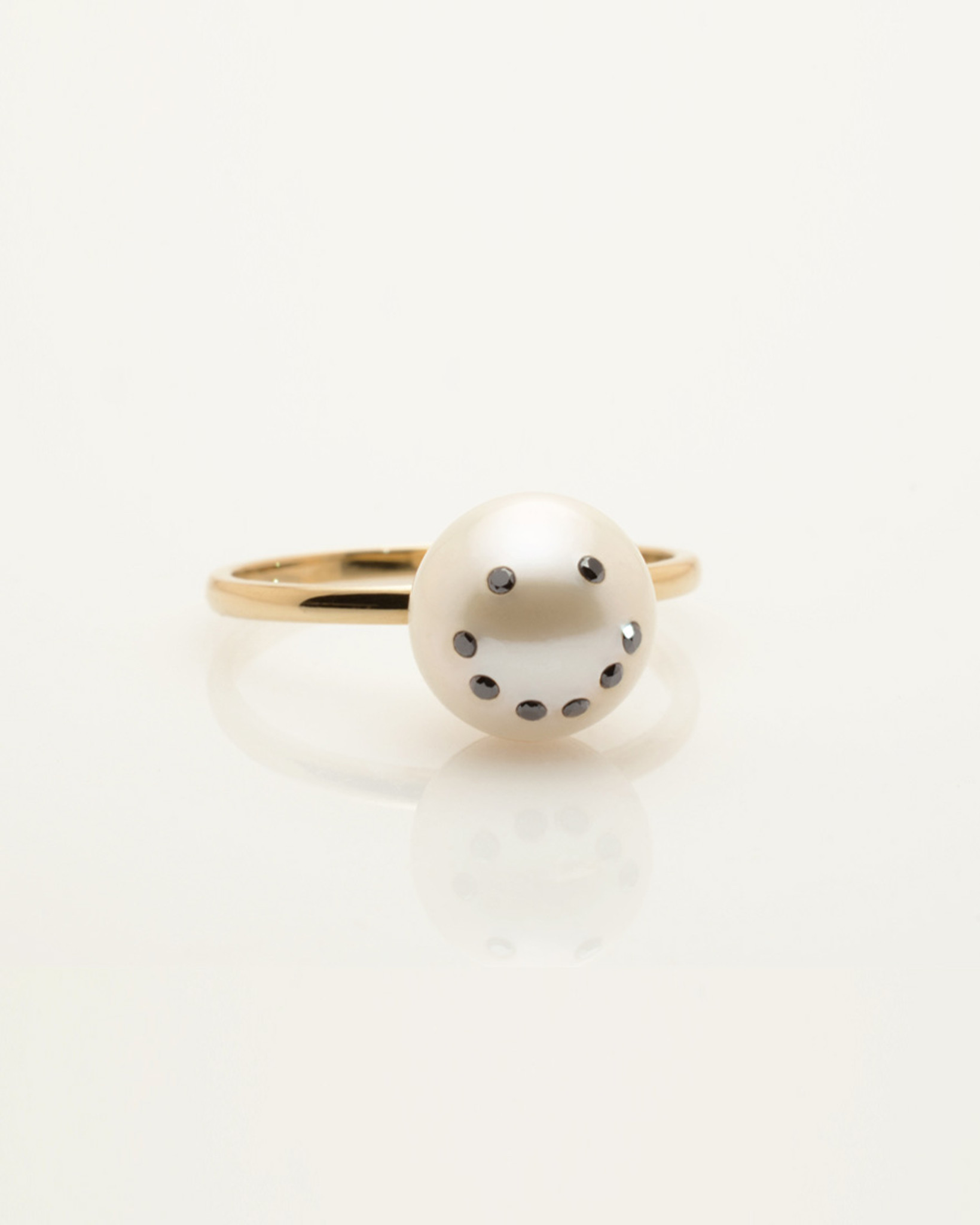 Front view of Cultured Freshwater Pearl Ring with Smiley Emoji Diamond Pavè & 14k Gold Band by Nektar De Stagni (8-9 mm. Size 5-6-7).