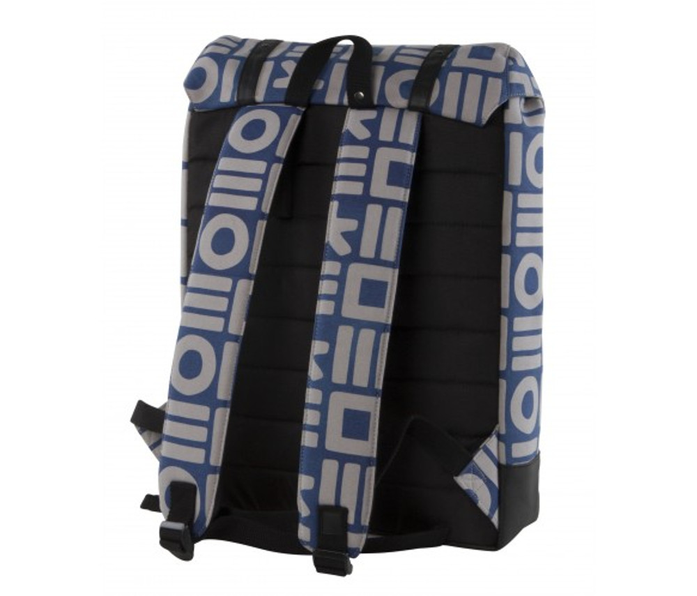 http://d3d71ba2asa5oz.cloudfront.net/12015324/images/cloak_backpack_blu_gry_back__15662.jpg
