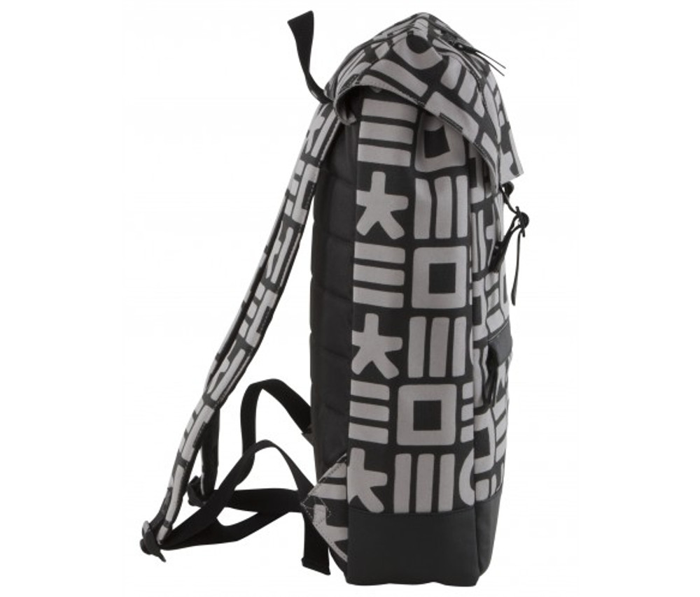 http://d3d71ba2asa5oz.cloudfront.net/12015324/images/cloak_backpack_blk_gry_side__61516.jpg
