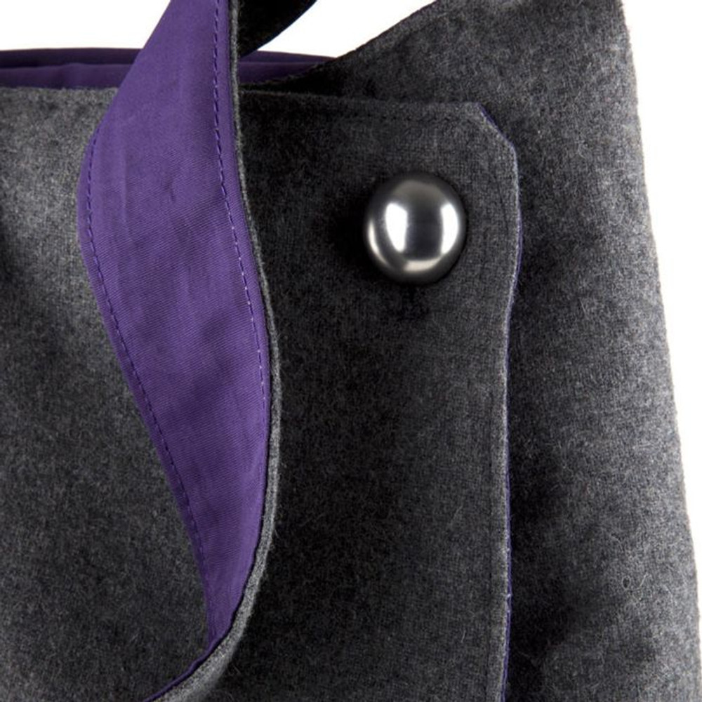 http://d3d71ba2asa5oz.cloudfront.net/12015324/images/speck-grey-purple-a-line-bag-for-ipad-2__22293.jpg