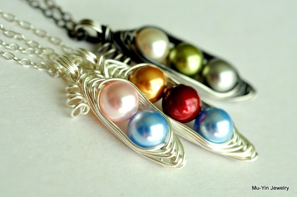 custom color pea pod necklace - muyinjewelry.com