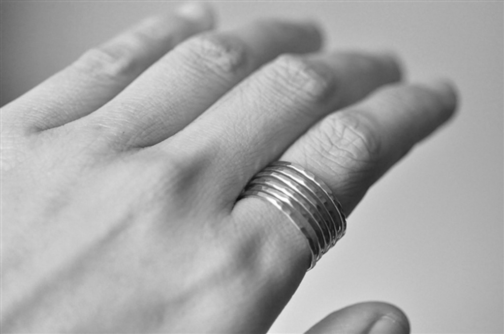 THICK BAND SIMPLICITY  wrap-around ring (unisex)