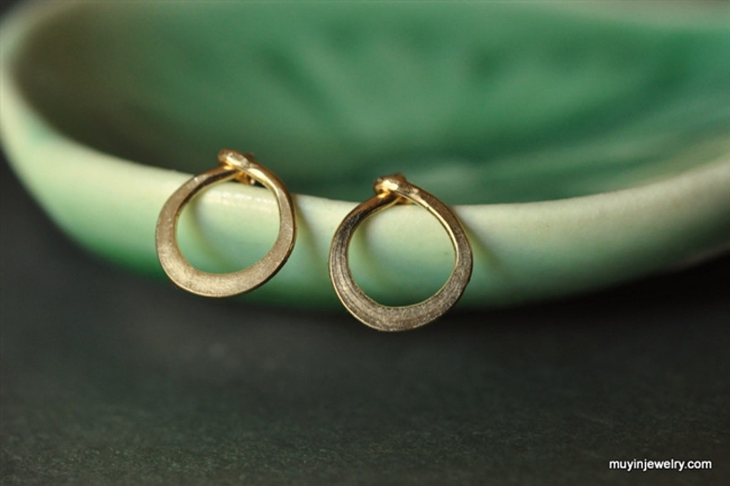 TINY TEENY CIRCLE post earrings