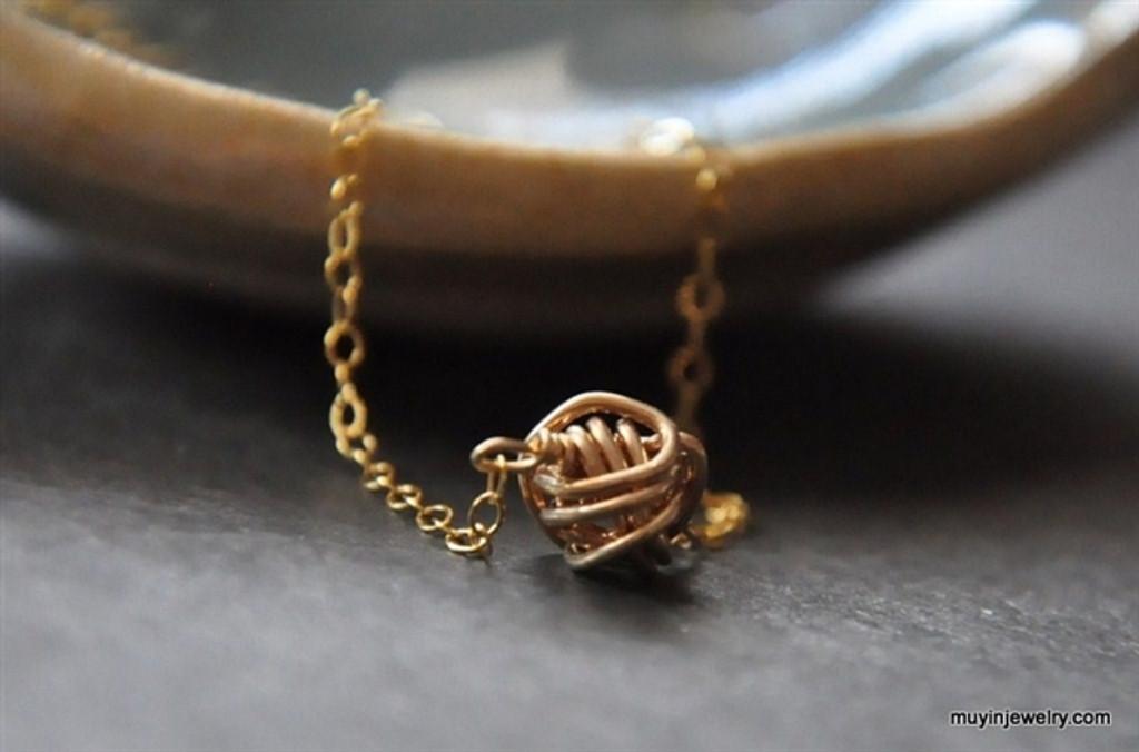 TINY TEENY TORNADO wire ball necklace