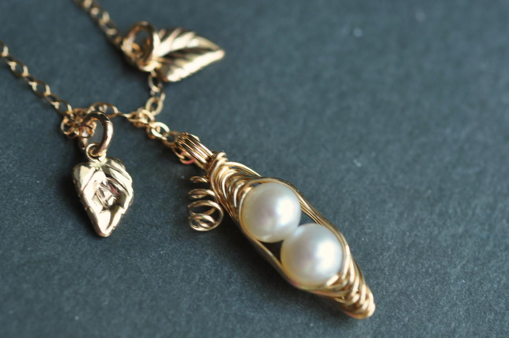 custom pea pod necklace with initial leaves in gold / muyinjewelry.com