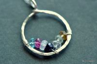 CIRCLE OF LOVE custom mother's / grandmother's birthstone necklace (7 stones)