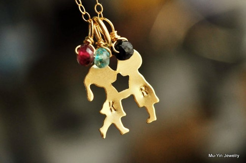 boy girl kissing birthstone necklace