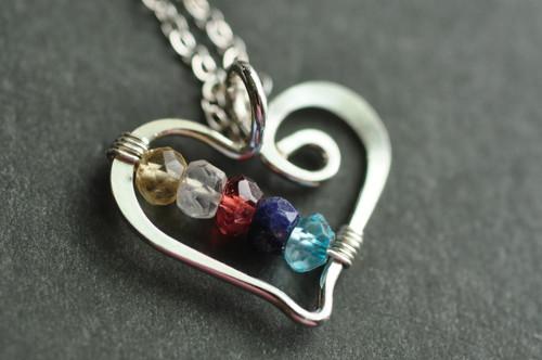 mothers grandmothers birthstone heart necklace genuine gemstones 5 five stone - muyinjewelry.com