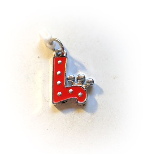 Pop Girl Ear Bud Charm: Letter L