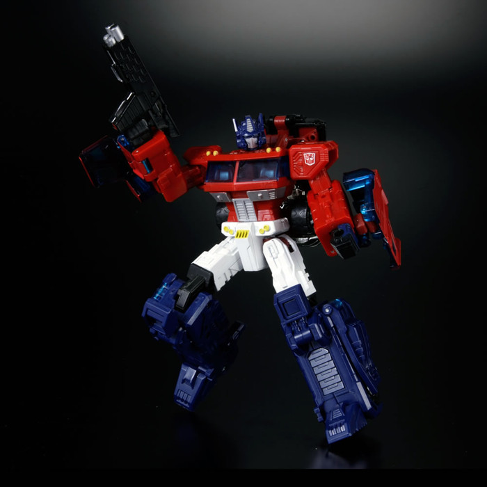 eHobby Transformers Cloud - Optimus Prime