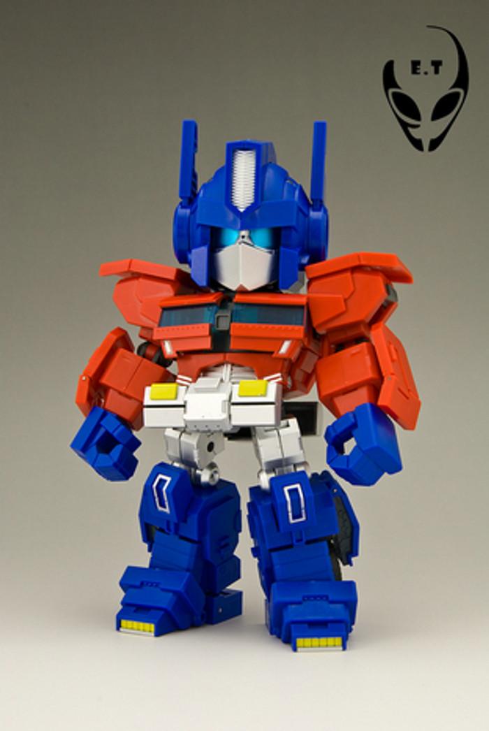 Excellent Toys - Ptolemy - Optimus Prime
