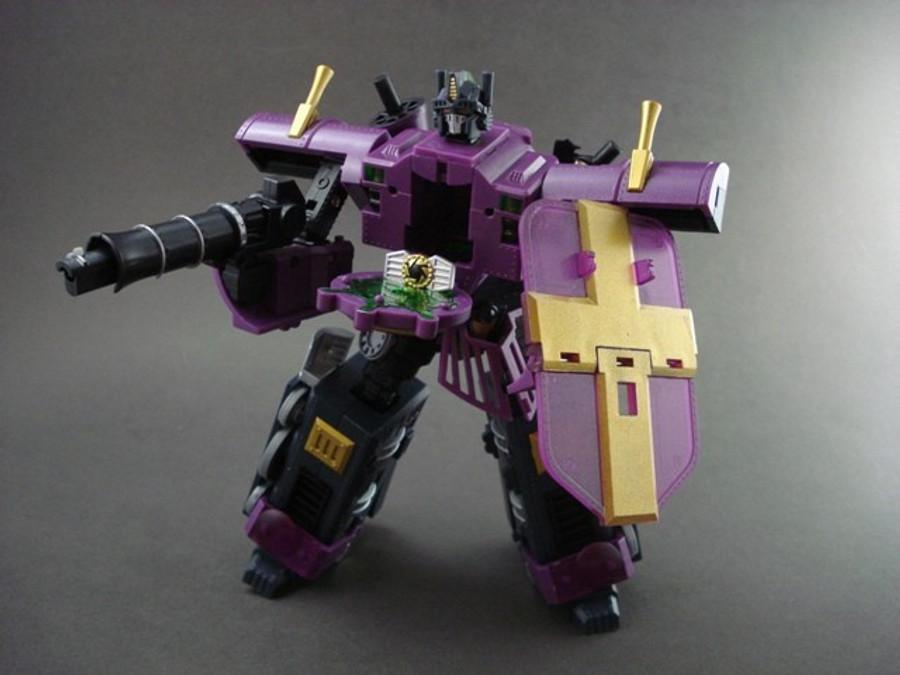 KM-01X  Knight Morpher Commander