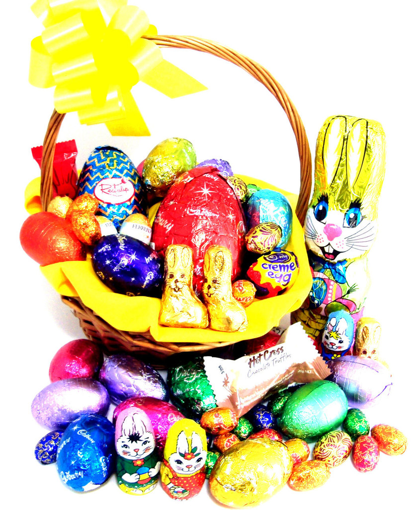 Quality affordable chocolate easter hampers at the basket people 216 e3 a bright easter surprise negle Choice Image