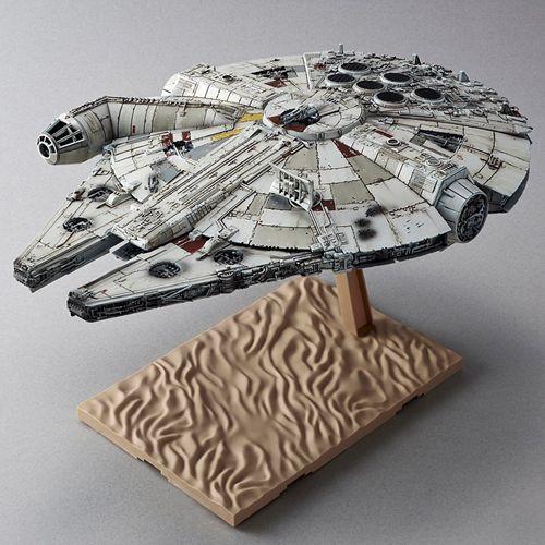 STAR WARS - The Force Awakens - The Millennium Falcon 1:444 Model Kit - Bandai Hobby