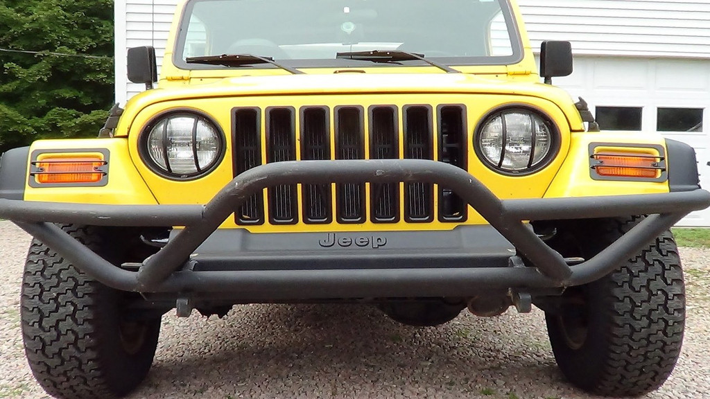 FRONT BUMPER WITH GRILLE GUARD