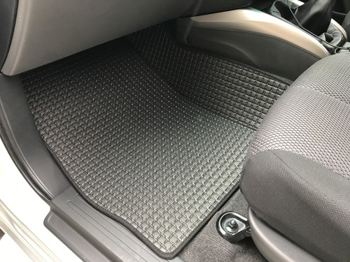 CAB FLOOR MATS FOR NISSAN NAVARA
