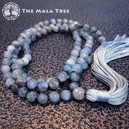 BLUE FLASH LABRADORITE Classic 108 Japa Mala