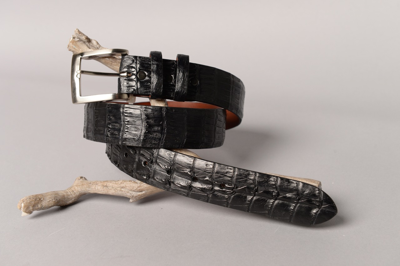 Matte Caiman Hornback Crocodile Belt - Matte Black (horns on the tip)