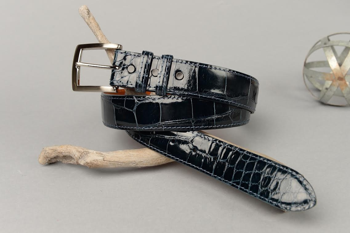 Glazed Navy American Alligator Belt with Matching Edge and Stitch.