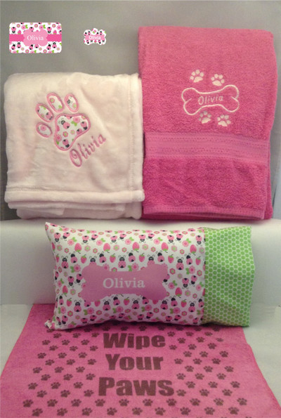 Pawfect package with rectangular-shaped pillow