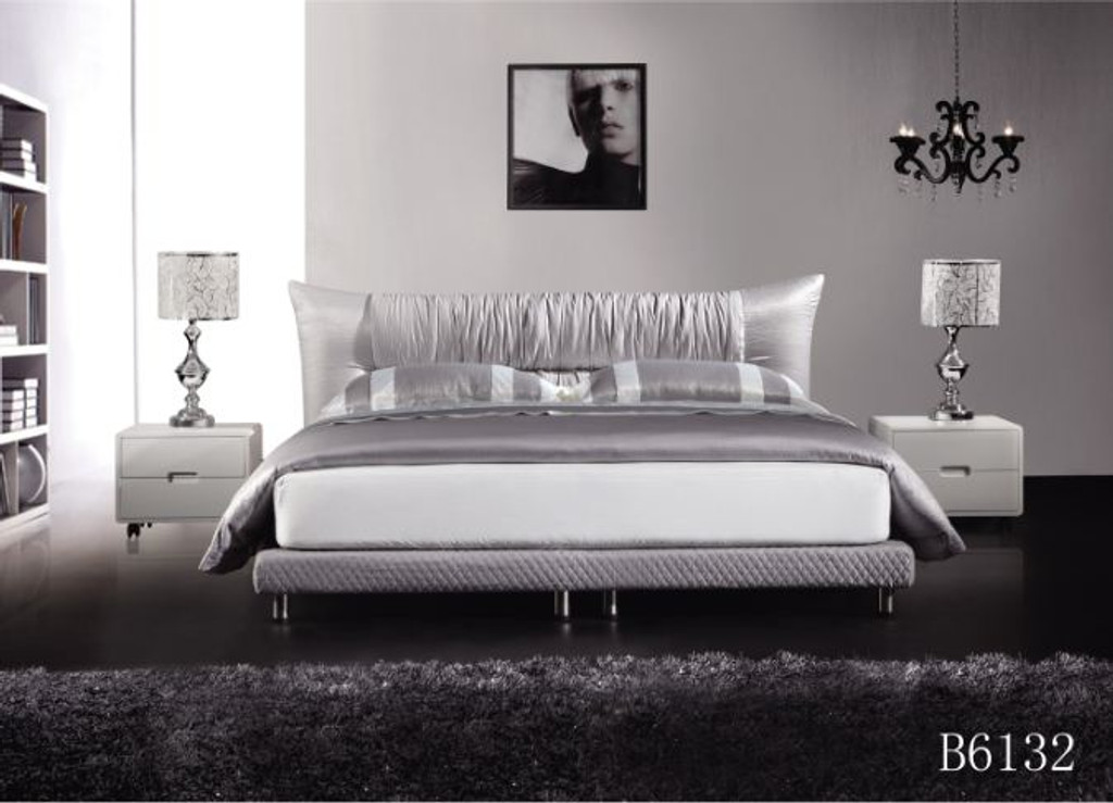 QUEEN  PATRONE  FABRIC BED - ASSORTED COLOURS