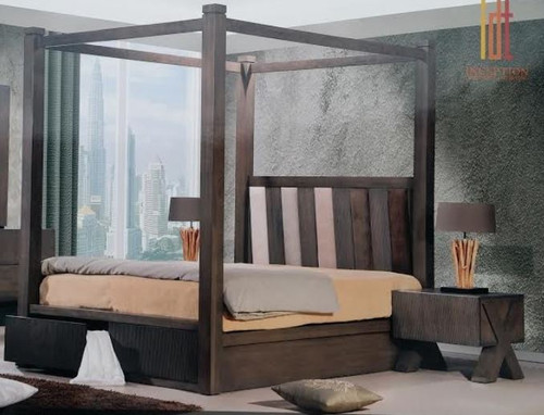 QUEEN PARAGON 4 POSTER BED WITH FABRIC INSERT BEDHEAD (22-9-15) - BELGIAN OAK  / BEIGE