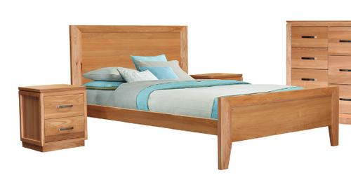 TREASURE QUEEN 3 PIECE BEDSIDE BEDROOM SUITE WITH FLAT PANEL BED  (20-1-18-1) - LIGHT OAK