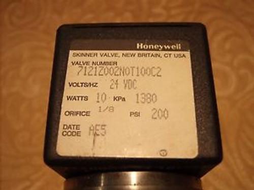 (Lot of 3) Honeywell Skinner 2-Way Valve 7121Z002N0T100C2  24 VDC 10 Watts