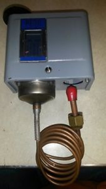 JOHNSON CONTROLS P70AB-2 PRESSURE CONTROL SWITCH NEW CONDITION NO BOX