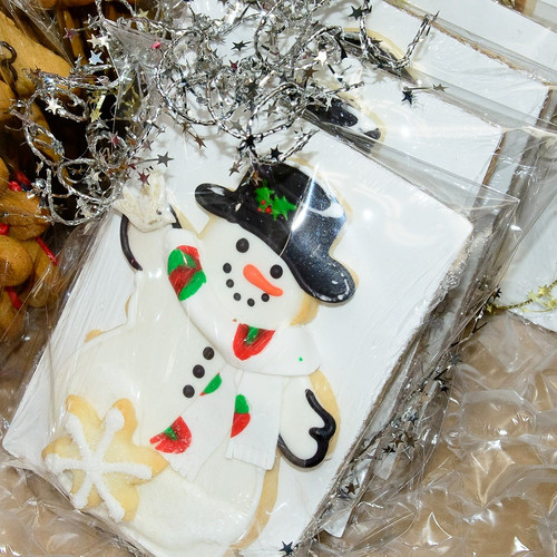 A  cute sugarshortbread snowman that will melt your heart......
