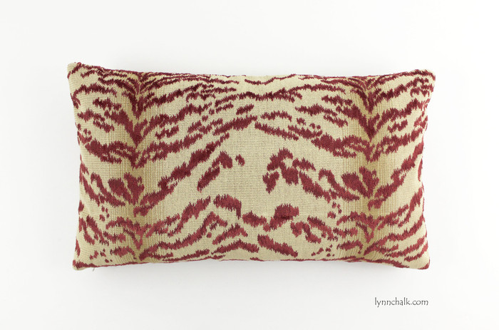Pillow in Cowtan Rajah Red (14 X 24)