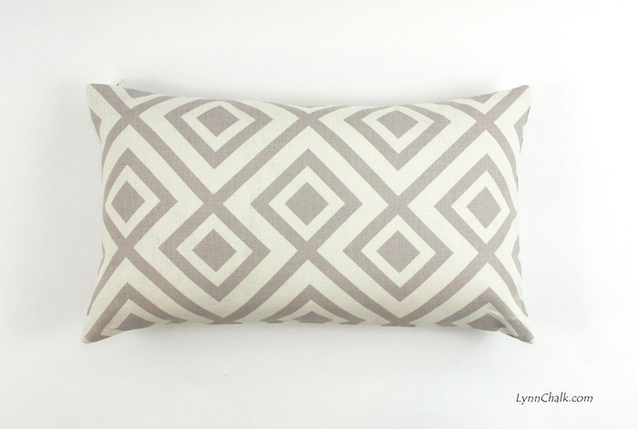 Pillow in David Hicks La Fiorentina in Light Grey/Off White (14 X 24)