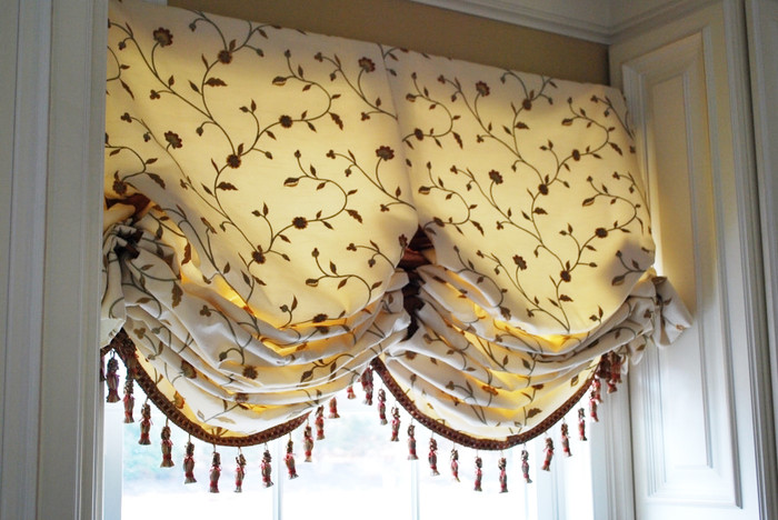 Balloon Valance in Kravet 26520-16 and Trim is Robert Allen Tassel Fringe in Sedona