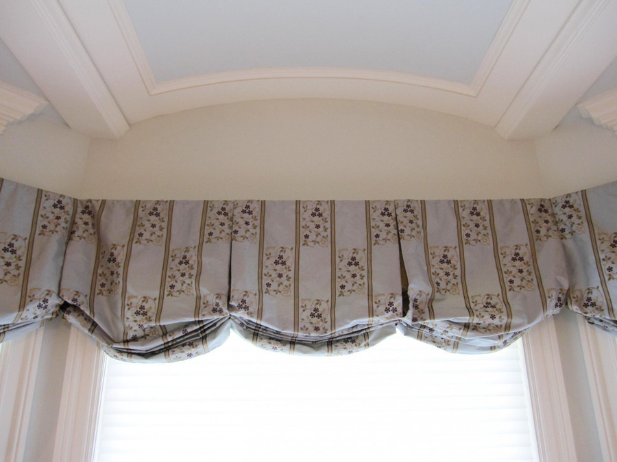 Balloon Pleated Valance in Robert Allen in Gwenevere-Cove