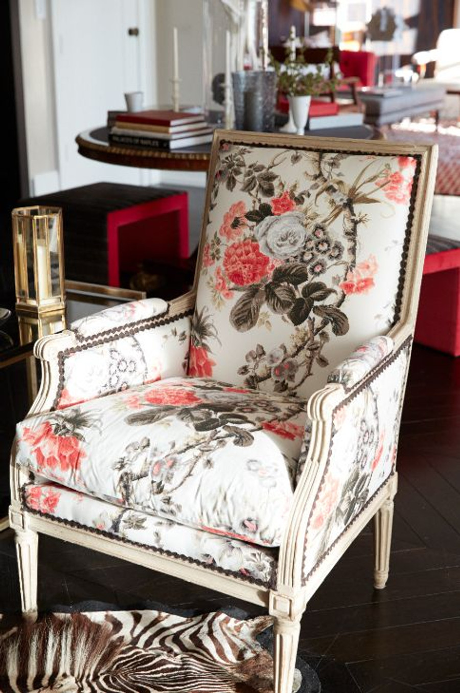 Chair in Alessandra Branca Elizabeth Rouge/Grey