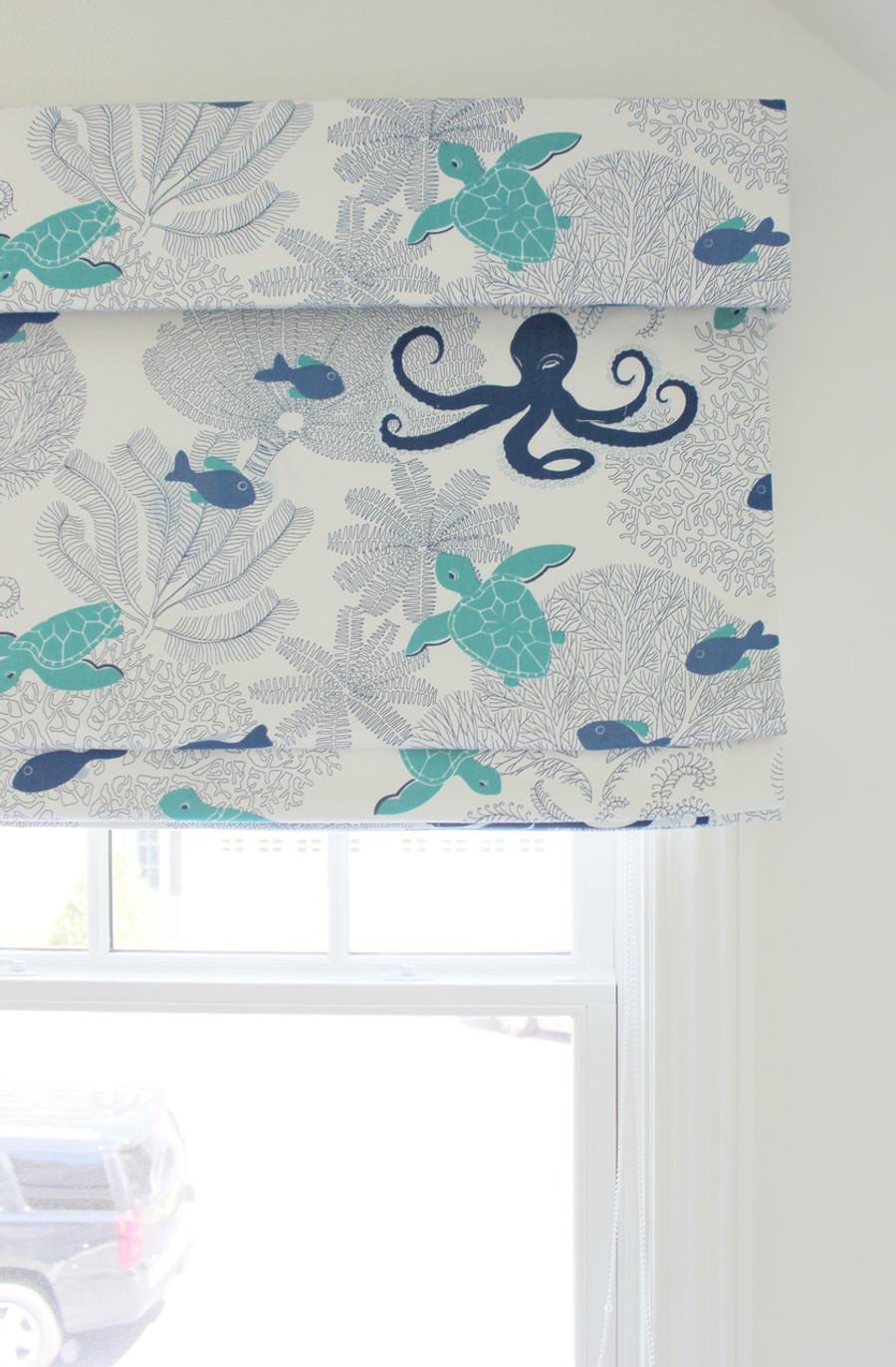 21016-605 Sea Life Duralee Fabric Roman Shade with Valance Boys Room (Toni Gallagher Interiors)