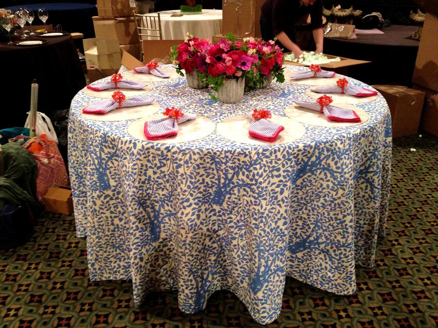 Arbre De Matisse Tablecloth China Blue (Elizabeth Bauer)