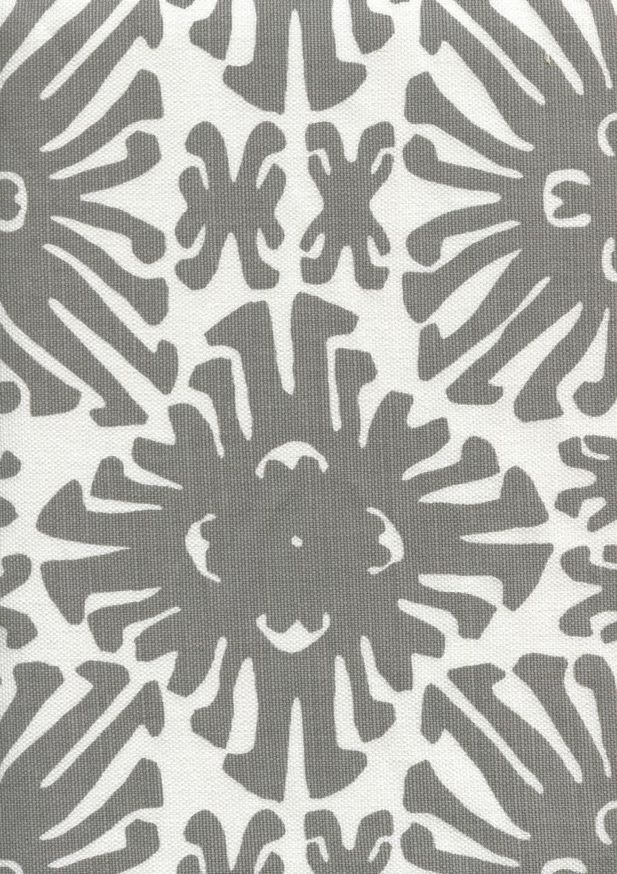 Sigourney Small Scale Grey on white 2475 06