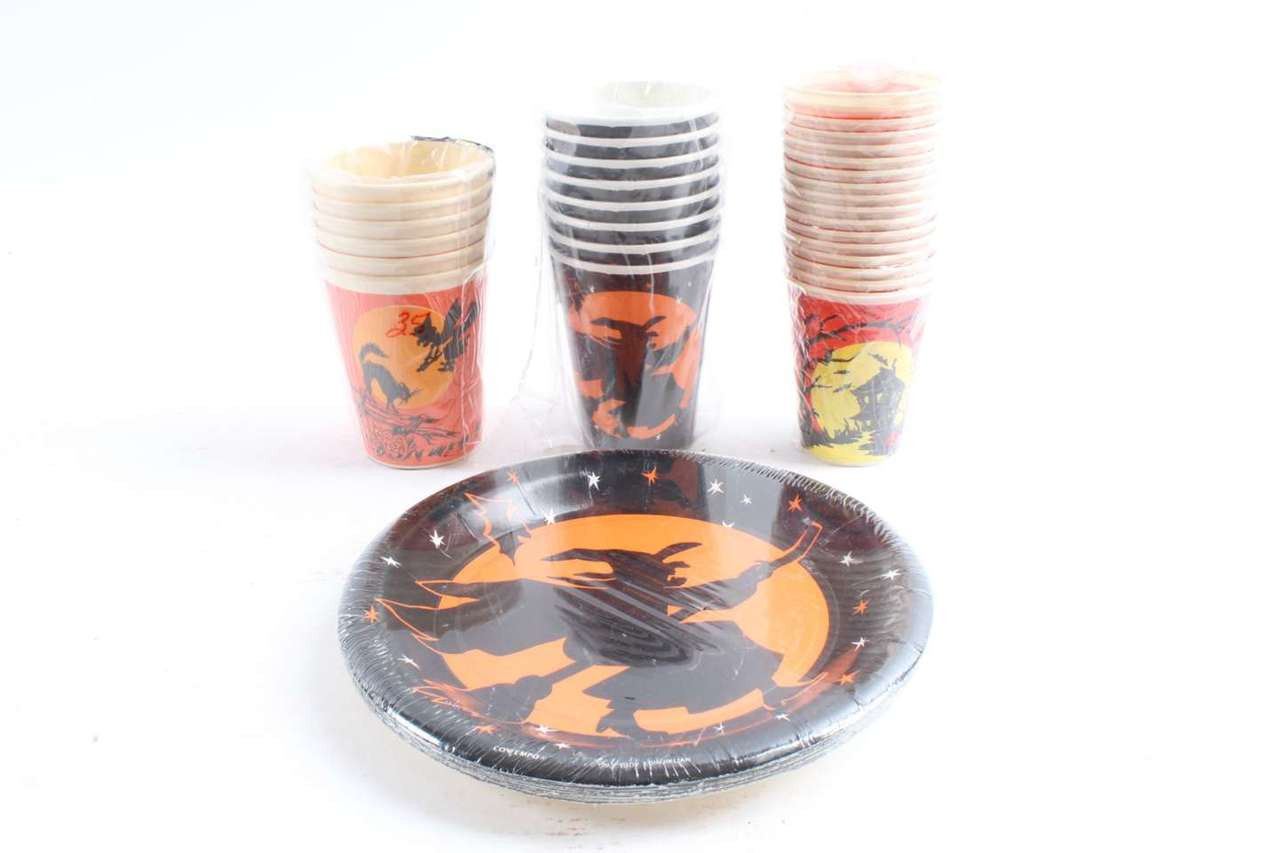41 Vintage Halloween Paper Cups u0026 Plates Haunted House Witches Cats  sc 1 st  Antique Mystique & Old Halloween Paper Cups u0026 Plates Haunted House Witches Cats