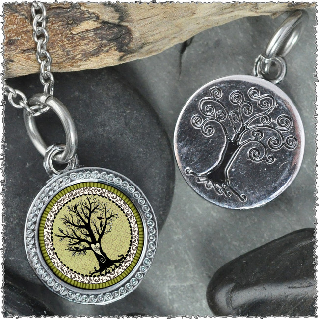 """Vintage Tree of Life Green """"Tree"""" Pendant"""