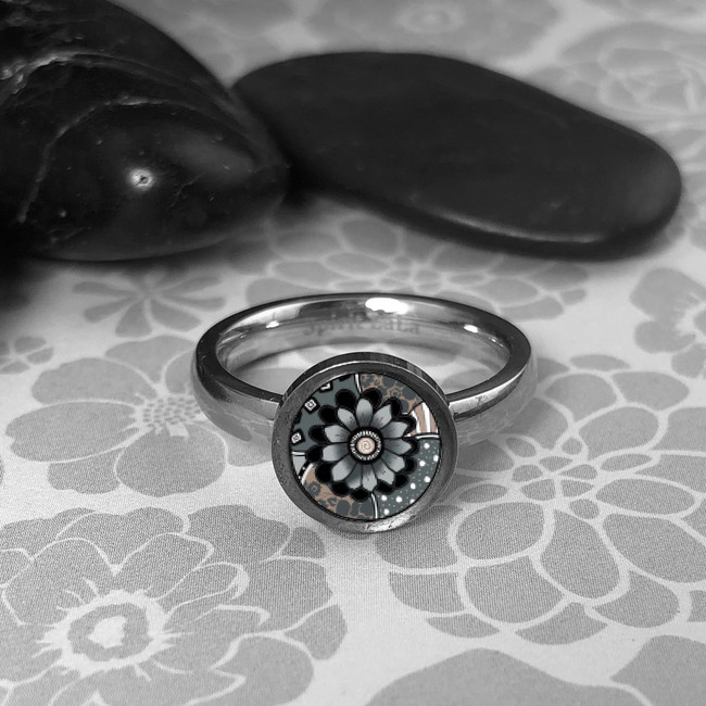 Grey Abstract Flower Stainless Art Ring